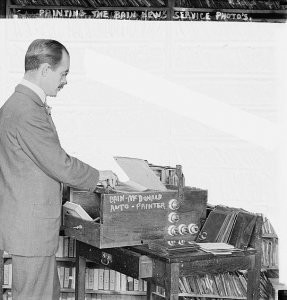 Printing the Bain News Service Photos, Bain News Service (Library of Congress Collection, Public Domain) https://bit.ly/2w6l01y