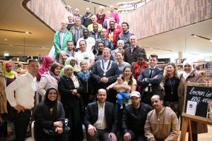 The participants of New in the Netherlands with the mayor of Oosterhout, who also gave a talk